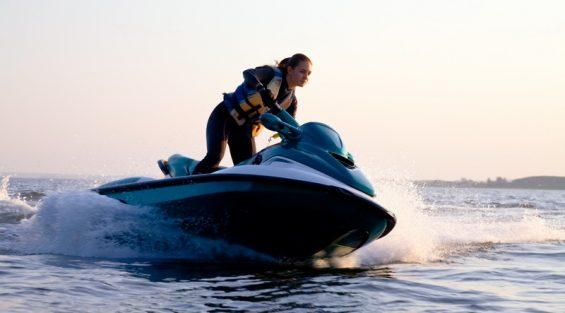 Danmarks Fritidssejler Union holder nu prøver til vandscootere